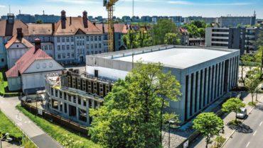 Inwestycja budowy hali i budynku dydaktycznego bez przestoju